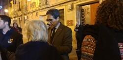 La falla Espartero G.V Ramón y Cajal recibe a la delegación deexpertos enindumentaria de Unesco (3)