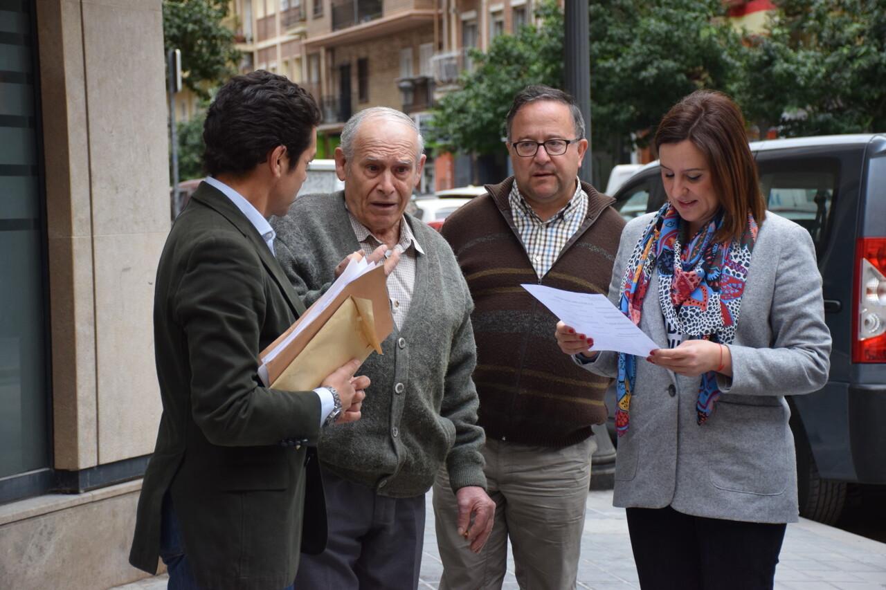 María José Catalá visita en barrio de Zaidía en Valencia (5)