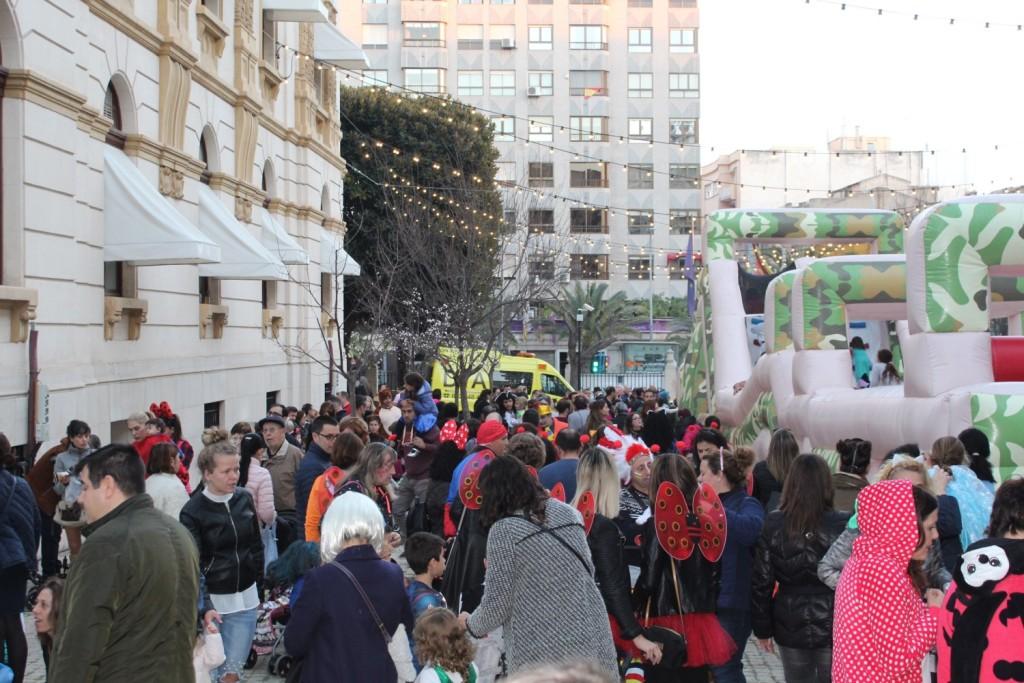 Palacio Provincial para celebrar junto a la Diputación de Alicante la fiesta del Carnaval (4)