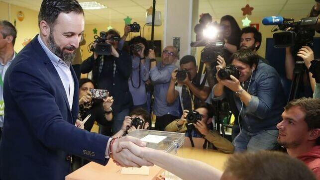 Abascal-Millones-espanoles-votar-esperanza_EDIIMA20190428_0206_4