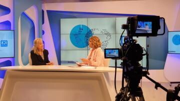 Doctora María Gómez Rodrigo en los estudios de la 8 televisión en el programa La 8 NOTICIAS comandado por Carmen Bort (36)