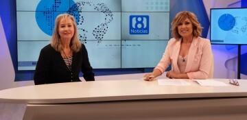 Doctora María Gómez Rodrigo en los estudios de la 8 televisión en el programa La 8 NOTICIAS comandado por Carmen Bort (5)