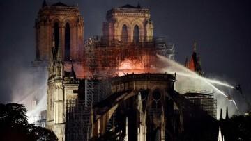 Fotografías del incendio de Notre Dame (20)