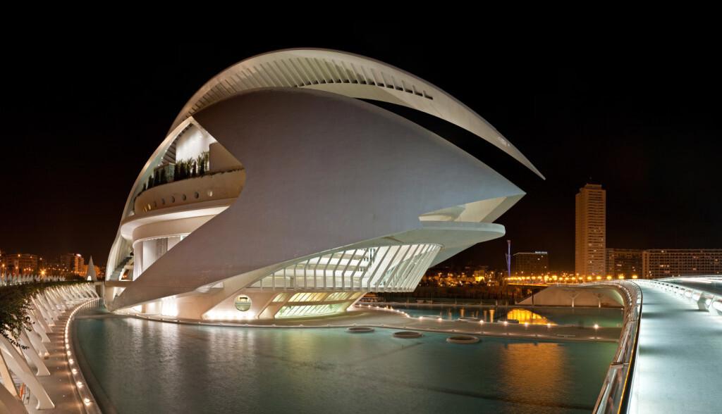 Valencia - Palau de les Arts Reina Sofía 1 - crédito Wikimedia Commons