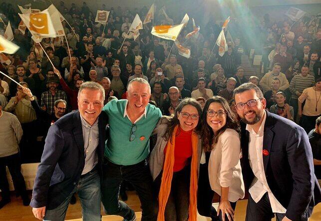 candidatos-Compromis-acto-celebrado-Alicante_EDIIMA20190420_0301_19