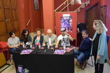 Beatriz Carvajal y Carlos Santos estrenan 'Volvió una noche' al Teatre Talia de Valencia (12)