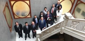 Calabuig se reúne con una delegación de la provincia china de Shandong para explorar vías de colaboración educativa y tecnológica 20190521_103015 (1)