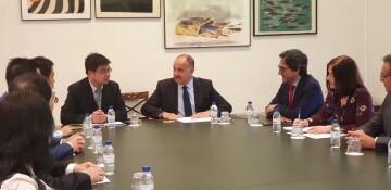 Calabuig se reúne con una delegación de la provincia china de Shandong para explorar vías de colaboración educativa y tecnológica 20190521_103015 (11)