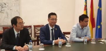 Calabuig se reúne con una delegación de la provincia china de Shandong para explorar vías de colaboración educativa y tecnológica 20190521_103015 (12)