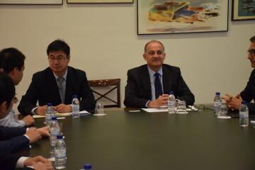 Calabuig se reúne con una delegación de la provincia china de Shandong para explorar vías de colaboración educativa y tecnológica 20190521_103015 (3)