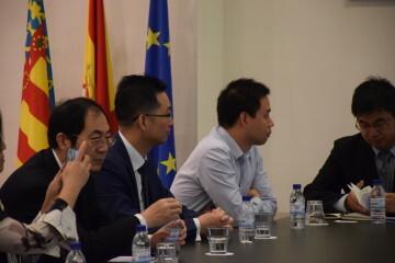 Calabuig se reúne con una delegación de la provincia china de Shandong para explorar vías de colaboración educativa y tecnológica 20190521_103015 (4)