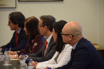 Calabuig se reúne con una delegación de la provincia china de Shandong para explorar vías de colaboración educativa y tecnológica 20190521_103015 (5)