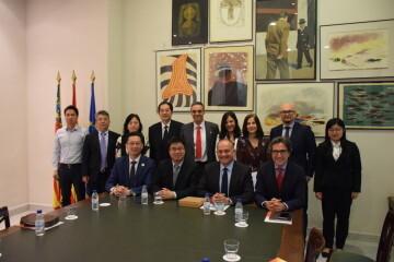 Calabuig se reúne con una delegación de la provincia china de Shandong para explorar vías de colaboración educativa y tecnológica 20190521_103015 (8)