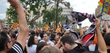 El Valencia C.F. presenta la Copa a la patrona, autoridades locales y a la afición en el Ayuntamiento (13)