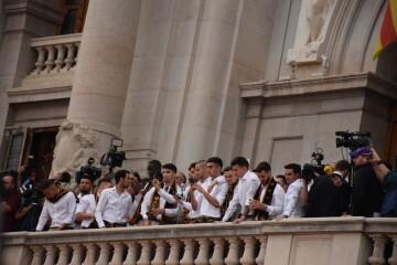El Valencia C.F. presenta la Copa a la patrona, autoridades locales y a la afición en el Ayuntamiento (19)