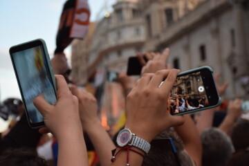 El Valencia C.F. presenta la Copa a la patrona, autoridades locales y a la afición en el Ayuntamiento (49)