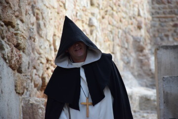La Dra. Ana Mafé colabora en dar contenido a la ruta teatralizada de Sagunto sobre el Santo Grial (5)