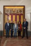 La Real Senyera original ya luce en la vitrina del Colegio del Arte Mayor de la Seda (2)