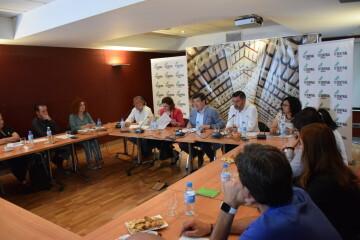 Tertulia-café sobre el Mercado Central de los candidatos a la Alcaldía y la Junta Directiva 20190520_155951 (21)