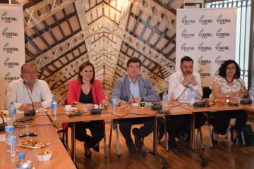 Tertulia-café sobre el Mercado Central de los candidatos a la Alcaldía y la Junta Directiva 20190520_155951 (8)
