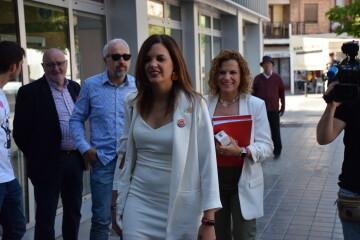 Visita al Centro municipal de actividades de personas mayores De NOU-MOLES de Sandra Gómez acompañada de Ximo Puig, President de la Generalitat 20190522_115302 (11)