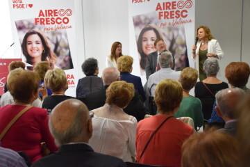 Visita al Centro municipal de actividades de personas mayores De NOU-MOLES de Sandra Gómez acompañada de Ximo Puig, President de la Generalitat 20190522_115302 (28)