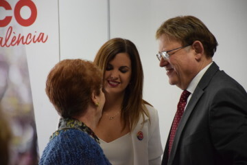 Visita al Centro municipal de actividades de personas mayores De NOU-MOLES de Sandra Gómez acompañada de Ximo Puig, President de la Generalitat 20190522_115302 (41)