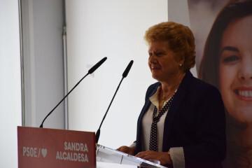 Visita al Centro municipal de actividades de personas mayores De NOU-MOLES de Sandra Gómez acompañada de Ximo Puig, President de la Generalitat 20190522_115302 (42)