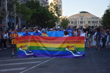 Marcha en València del Orgullo LGTBI+ para celebrar los avances y no dar ni un paso atrás en derechos (1)