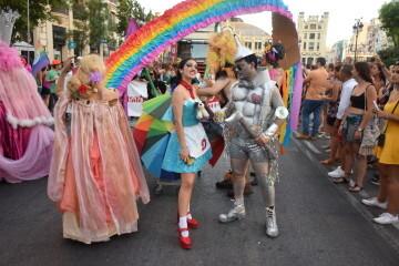 Marcha en València del Orgullo LGTBI+ para celebrar los avances y no dar ni un paso atrás en derechos (108)