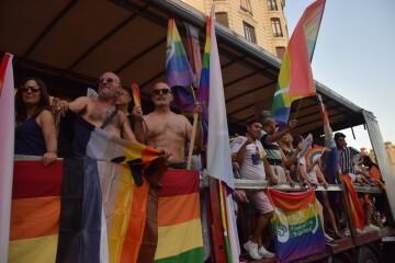 Marcha en València del Orgullo LGTBI+ para celebrar los avances y no dar ni un paso atrás en derechos (115)