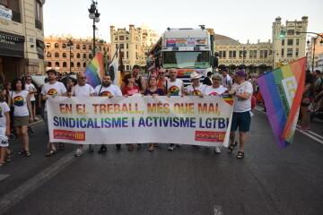 Marcha en València del Orgullo LGTBI+ para celebrar los avances y no dar ni un paso atrás en derechos (117)