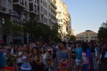 Marcha en València del Orgullo LGTBI+ para celebrar los avances y no dar ni un paso atrás en derechos (13)
