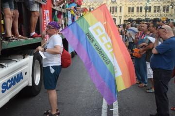 Marcha en València del Orgullo LGTBI+ para celebrar los avances y no dar ni un paso atrás en derechos (133)