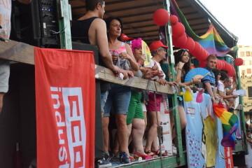 Marcha en València del Orgullo LGTBI+ para celebrar los avances y no dar ni un paso atrás en derechos (134)