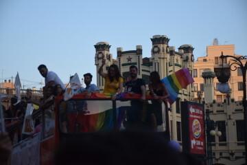 Marcha en València del Orgullo LGTBI+ para celebrar los avances y no dar ni un paso atrás en derechos (135)
