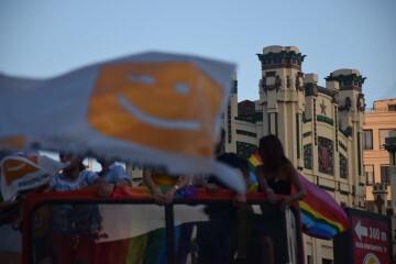 Marcha en València del Orgullo LGTBI+ para celebrar los avances y no dar ni un paso atrás en derechos (136)