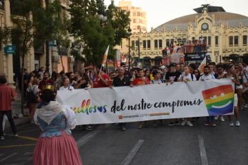 Marcha en València del Orgullo LGTBI+ para celebrar los avances y no dar ni un paso atrás en derechos (145)