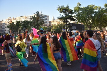 Marcha en València del Orgullo LGTBI+ para celebrar los avances y no dar ni un paso atrás en derechos (15)