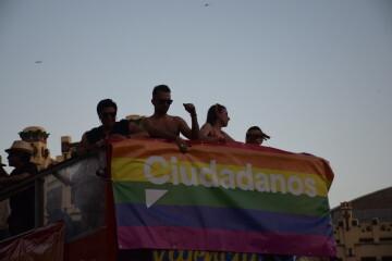 Marcha en València del Orgullo LGTBI+ para celebrar los avances y no dar ni un paso atrás en derechos (159)