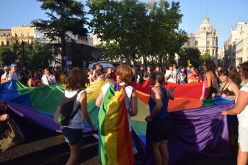 Marcha en València del Orgullo LGTBI+ para celebrar los avances y no dar ni un paso atrás en derechos (16)