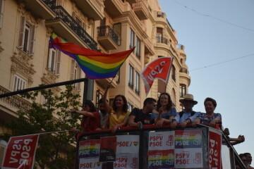 Marcha en València del Orgullo LGTBI+ para celebrar los avances y no dar ni un paso atrás en derechos (168)