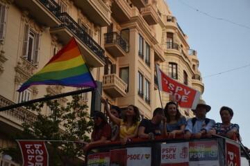Marcha en València del Orgullo LGTBI+ para celebrar los avances y no dar ni un paso atrás en derechos (169)