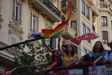 Marcha en València del Orgullo LGTBI+ para celebrar los avances y no dar ni un paso atrás en derechos (171)