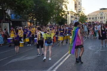 Marcha en València del Orgullo LGTBI+ para celebrar los avances y no dar ni un paso atrás en derechos (18)