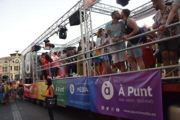 Marcha en València del Orgullo LGTBI+ para celebrar los avances y no dar ni un paso atrás en derechos (195)