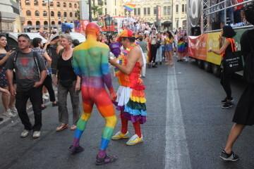 Marcha en València del Orgullo LGTBI+ para celebrar los avances y no dar ni un paso atrás en derechos (199)
