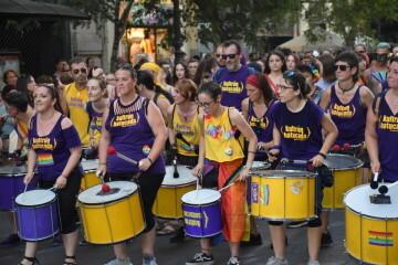 Marcha en València del Orgullo LGTBI+ para celebrar los avances y no dar ni un paso atrás en derechos (20)