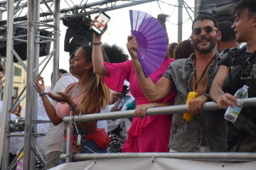 Marcha en València del Orgullo LGTBI+ para celebrar los avances y no dar ni un paso atrás en derechos (211)