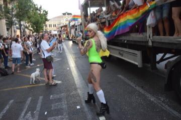Marcha en València del Orgullo LGTBI+ para celebrar los avances y no dar ni un paso atrás en derechos (235)